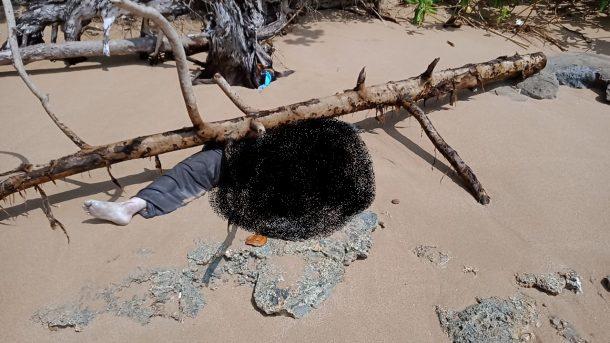Polsek Pematang Sawa dan Inafis Datangi Lokasi Penemuan Mayat di Pantai Kaur Gading Tanggamus