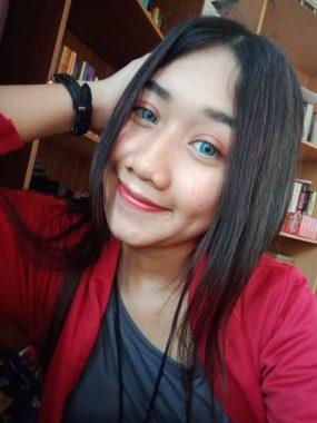 Model Lampung Novi: Cantik Berseri Si Lesung Pipi