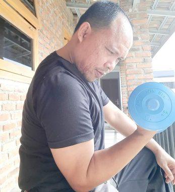 Rajin Olahraga Selama Isolasi Mandiri, Antoni Imam Makin
