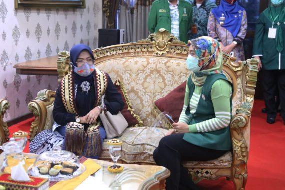 Operasi Yustisi Kedisiplinan, Polres Bersama Pemkab Lampung Selatan Bagikan Masker untuk Masyarakat