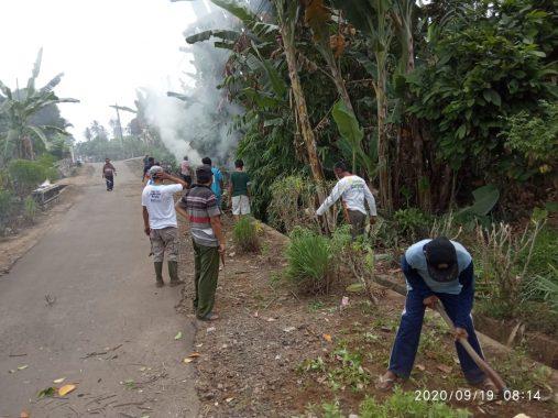 World Clean Up Day 2020, Warga Desa Pasuruan Lampung Selatan Bersih-bersih Lingkungan