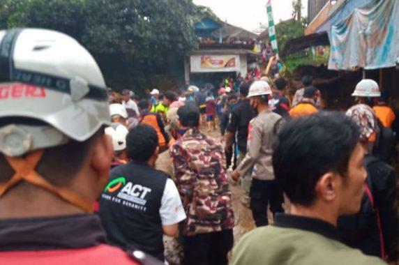 Tim Tanggap Darurat ACT Siaga di Lokasi Bencana Sukabumi