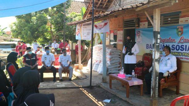Bupati Tanggamus Luncurkan Penyerahan Bantuan Beras PKH dan Serahkan Bantuan E-Warung