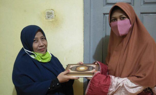 LAZDAI Lampung dan Jejamo.com Salurkan Wakaf Alquran untuk Anggota Risma di Hajimena