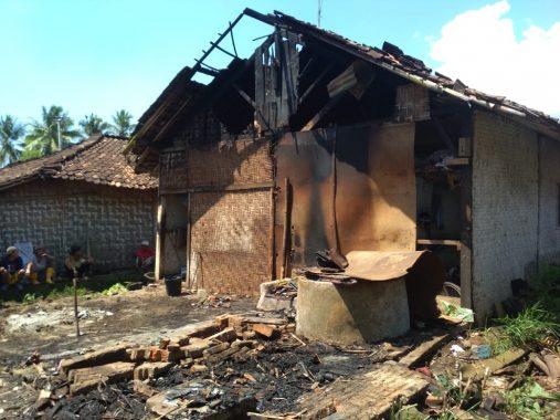 Tabung Elpiji Bocor, Separuh Rumah di Talang Padang Tanggamus Terbakar