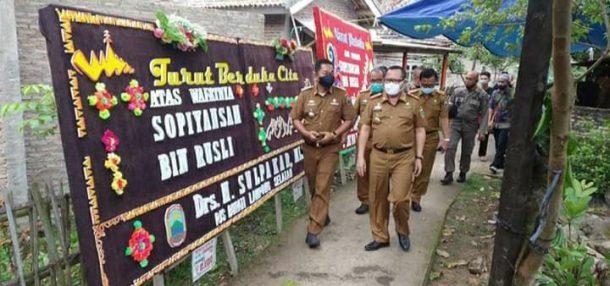 Sulpakar Sambangi Rumah Duka Korban Kecelakaan dengan Kendaraan Dinas Satpol PP Lampung Selatan