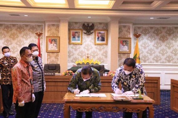 Ringankan Beban Warga Terdampak Covid-19, Kemensos RI Salurkan Sembako Senilai Rp900 Juta di Lampung