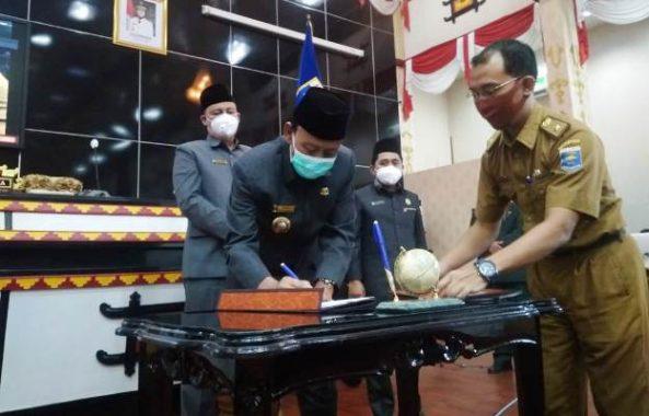 Advertorial: Rapat Paripurna Pengesahan APBD TA 2021, Pemkot Metro Tambah Penyertaan Modal Bank Lampung Sebesar Rp2 Miliar