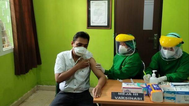 Penyuntikan Vaksin Sinovac di Kota Metro, Ketua IDI Jadi Penerima Pertama