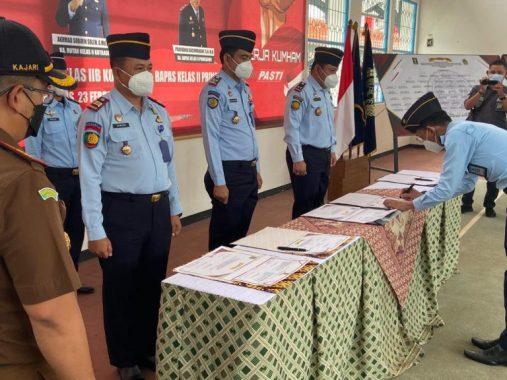 Pembangunan Gedung Tiga Lantai Ponpes Raden Sumatera Kota Metro Diduga Tidak Mengantongi Izin