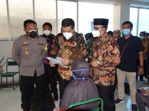 Musa-Ardito Tinjau Vaksinasi Covid-19 Pedagang Plaza Bandarjaya Lampung Tengah