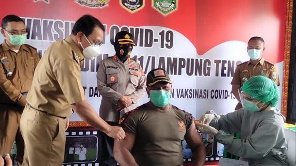 Vaksinasi Covid-19 Tahap II di Makodim 0411/LT, Wali Kota Wahdi Upayakan Metro Kembali Zona Hijau