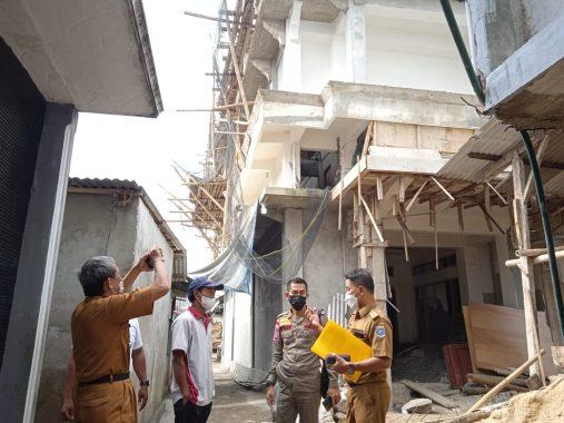 Gedung Tiga Lantai Raden Sumatera Kembali Dikeluhkan, Terancam Disegel Pemkot Metro
