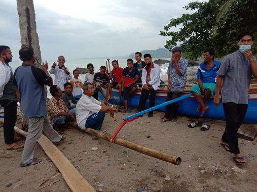 Anggota DPRD Lampung Heni Susilo Ngabuburit Bareng Nelayan