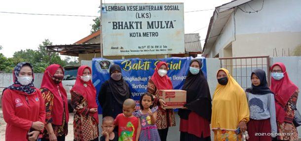 IKWI Metro Beri Bantuan LKS Bhakti Mulya Yosomulyo