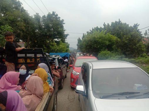 Ramai Pengunjung, Jalan Menuju Tempat Wisata di Tanggamus Macet Hingga 2.5 Kilometer