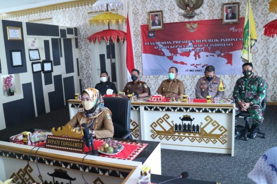 Bupati Tanggamus Ikuti Arahan Presiden Jokowi Terkait Covid-19 Usai Lebaran
