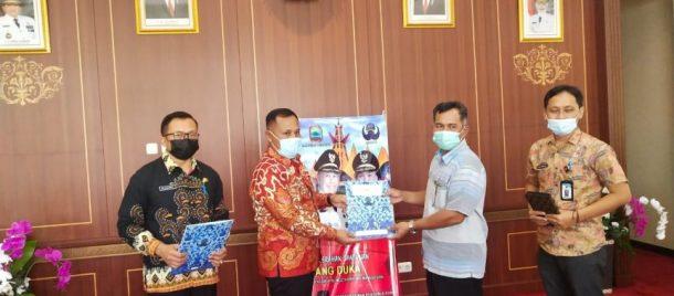 Bupati Lampung Selatan Saluran Santunan Bagi Ahli Waris PNS yang Meninggal Dunia