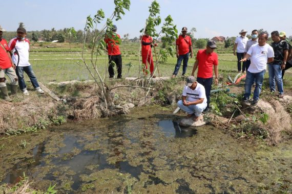 Nanang Ermanto Tinjau Embung di Jati Agung yang Miliki Potensi Sumber Air Panas