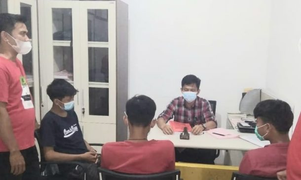 Polsek Pugung Tanggamus Limpahkan Tiga Remaja Tersangka Pengeroyokan ke Kejaksaan