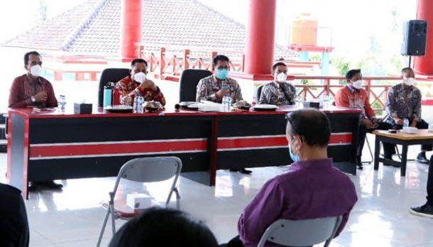 Advertorial: Bupati Tanggamus Dewi Handajani Ikuti Seminar Kepemimpinan Perempuan