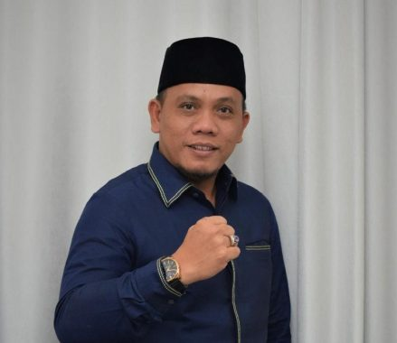 Limbah Aspal di Pesisir Kotaagung, Wakil Ketua DPRD Tanggamus Minta Aparat Hukum Usut Tuntas