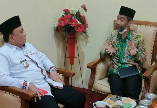 Abdul Hakim Paparkan Konsep Gerakan Desa Emas kepada Wakil Bupati Lampung Barat Mad Hasnurin