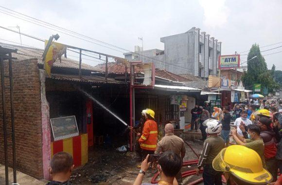 Gerai Ayam Goreng BFC di Metro Hangus Terbakar Api
